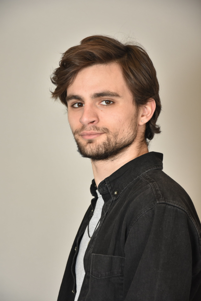 JAMES POSTEKOS  -  AGENCIA MODELS