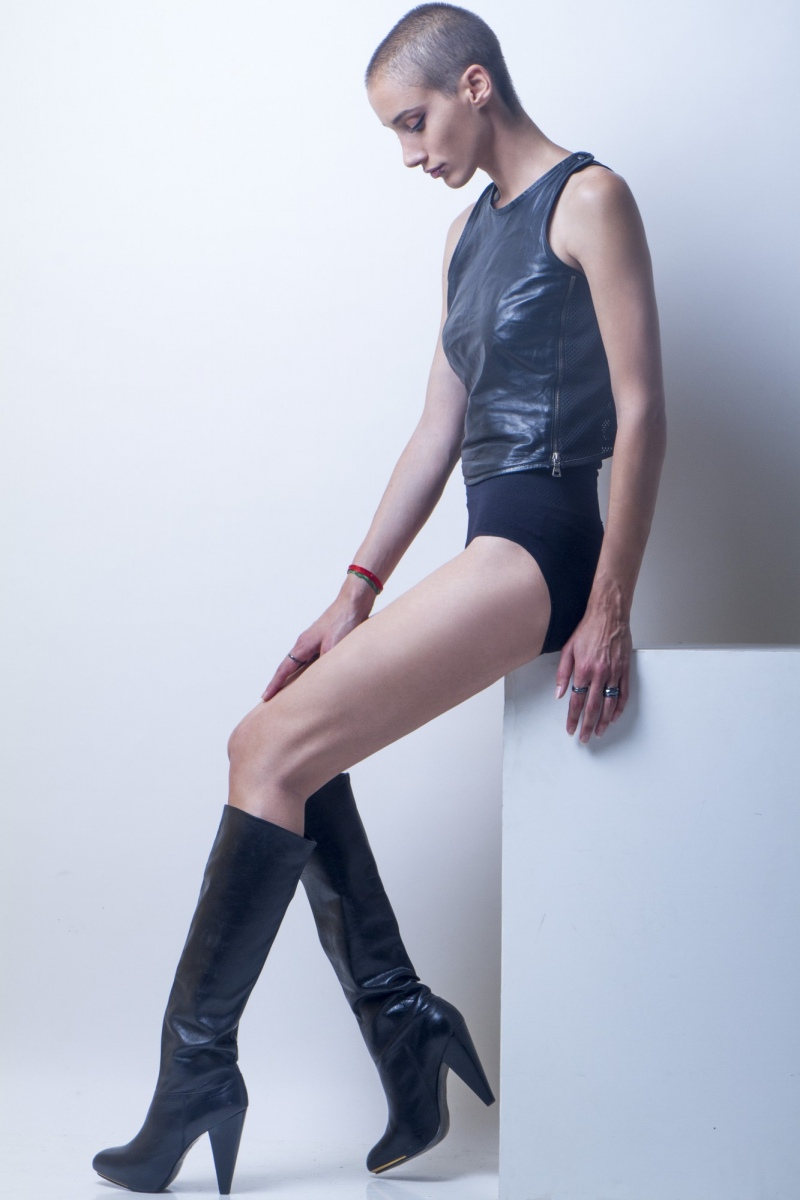 ELENI ATHAN  -  AGENCIA MODELS