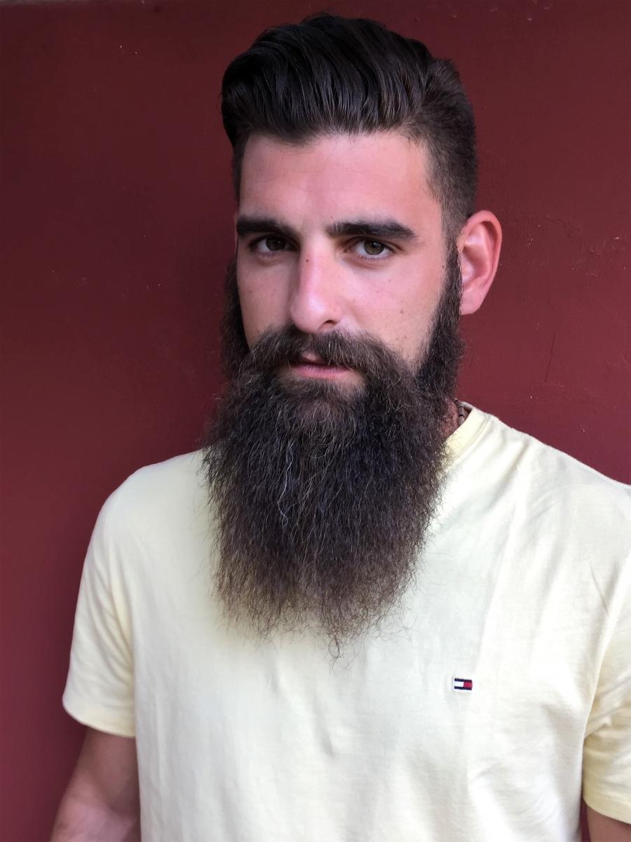THODORIS NESLOGLOU  -  AGENCIA MODELS