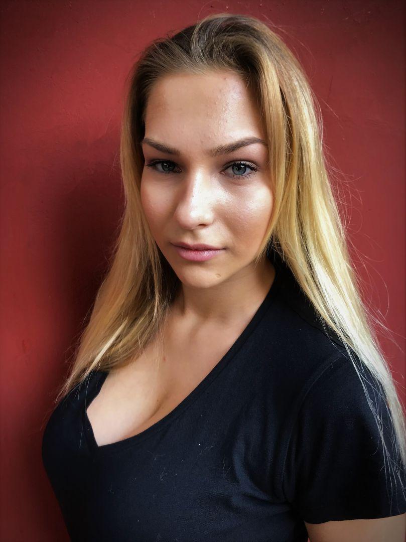 ELENA KYRIAKAKI  -  AGENCIA MODELS